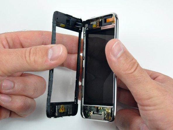 новым. решили заняться iPod Touch 3G и глянуть что там внутри, при этом обнаружили много интересного.