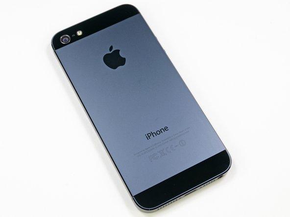 de achterkant van de iPhone 5