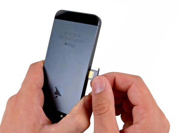 Как вставить в iPhone SIM-карту
