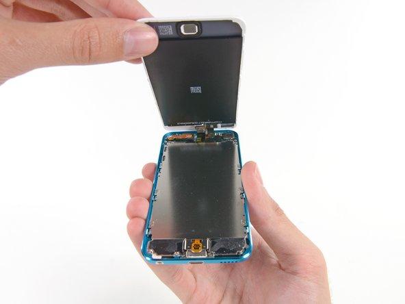 iFixit rozebírá iPod touch 5. generace